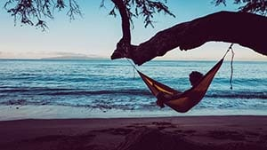 how to hang a hammock from a tree